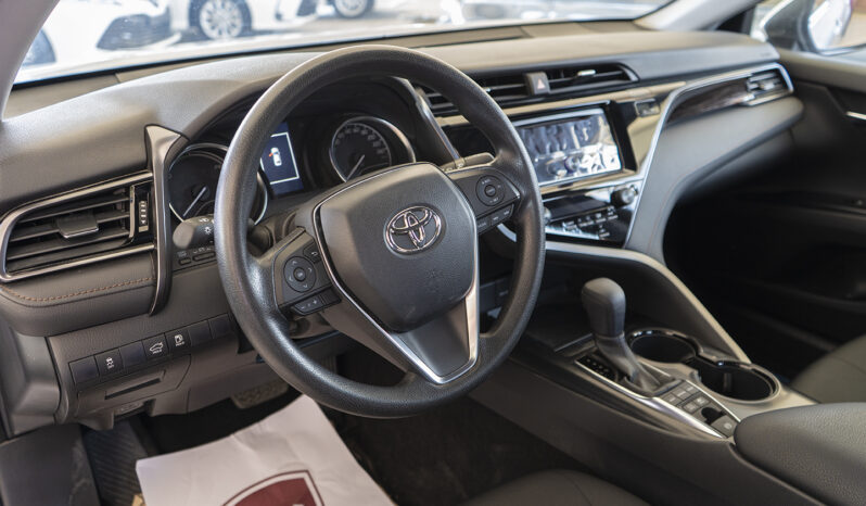 TOYOTA CAMRY LE 2020 ممتلئ