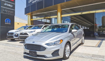 Ford Fusion SE 2019 ممتلئ